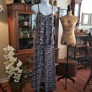 In Bloom black and Ivory 2piece Pajamas S